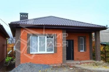 Построенный дом из кирпича в Ростове-на-Дону